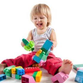 occhio ai giocattoli